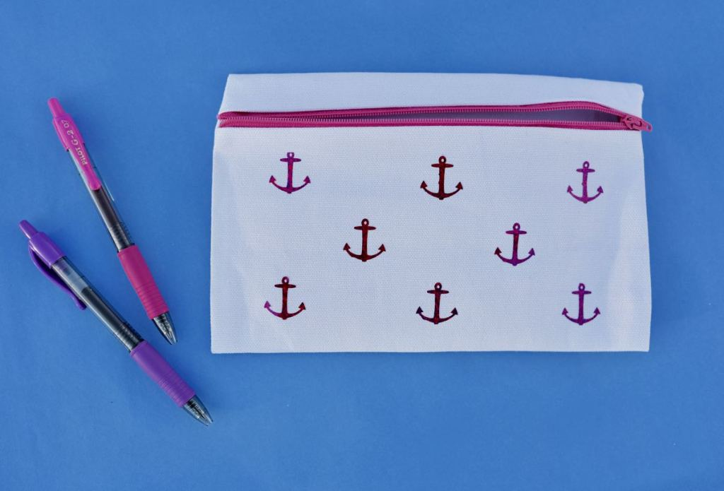 No sew pencil bag. So cute and easy to make!