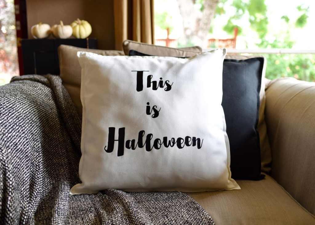 DIY Halloween pillow tutorial with iron-on and Cricut Explore Air 2