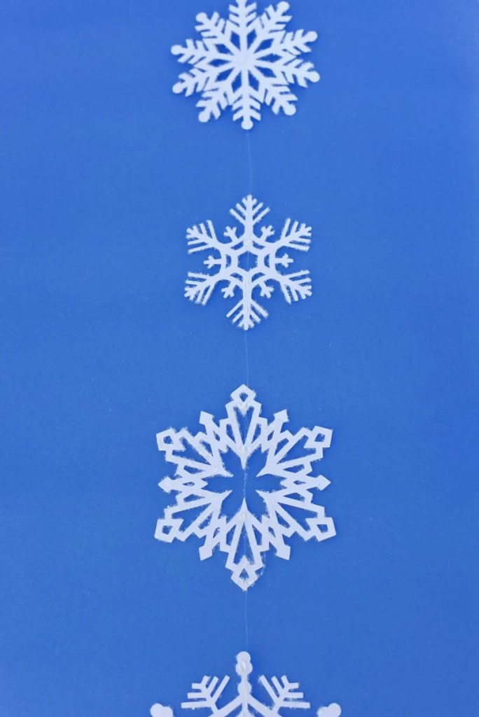 DIY Snowflake hanging tutorial