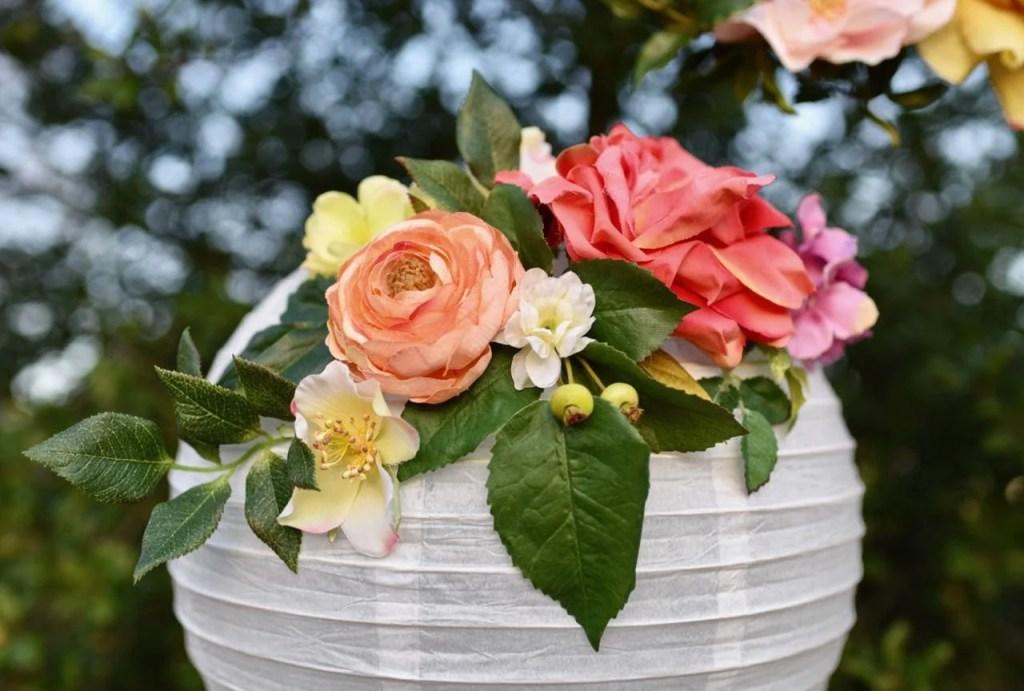 How to make DIY flower paper lanterns. Gorgeous!