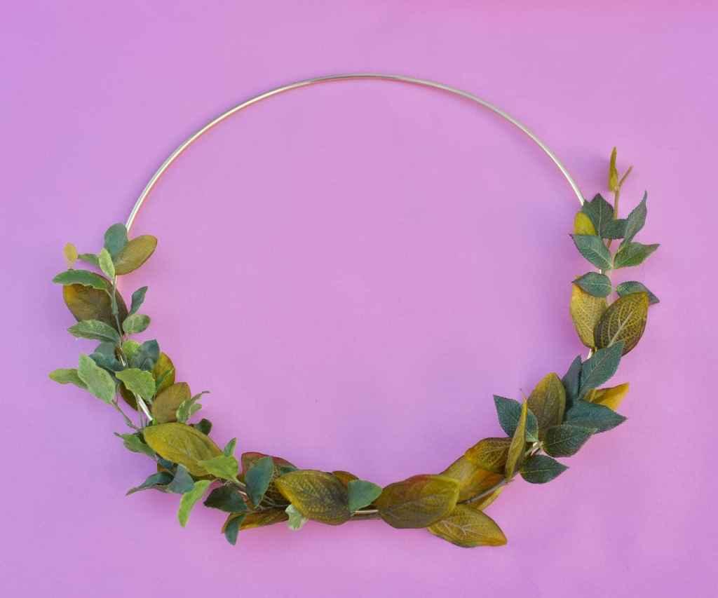 Spring floral hoop wreath tutorial