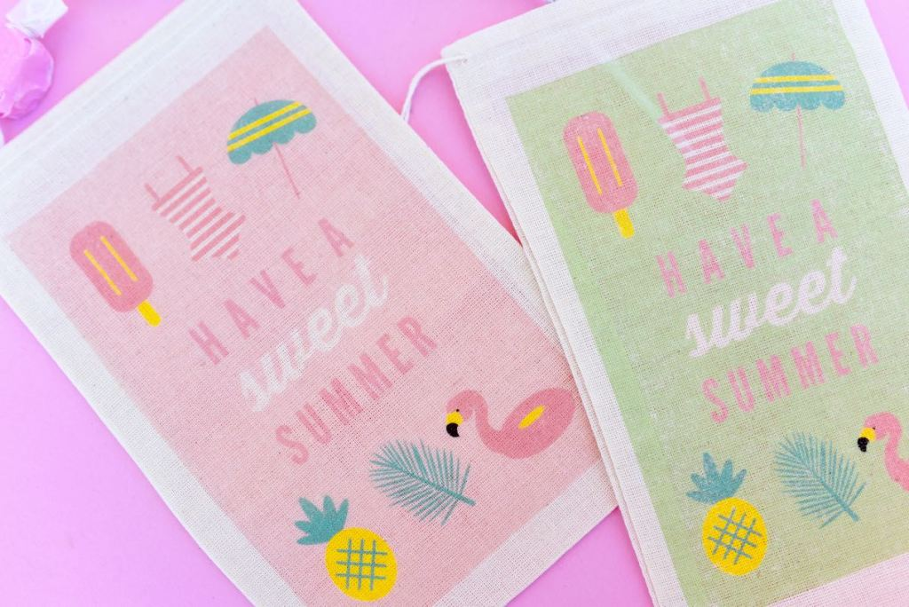 How to use transfer paper on fabric to make DIY party favor bags