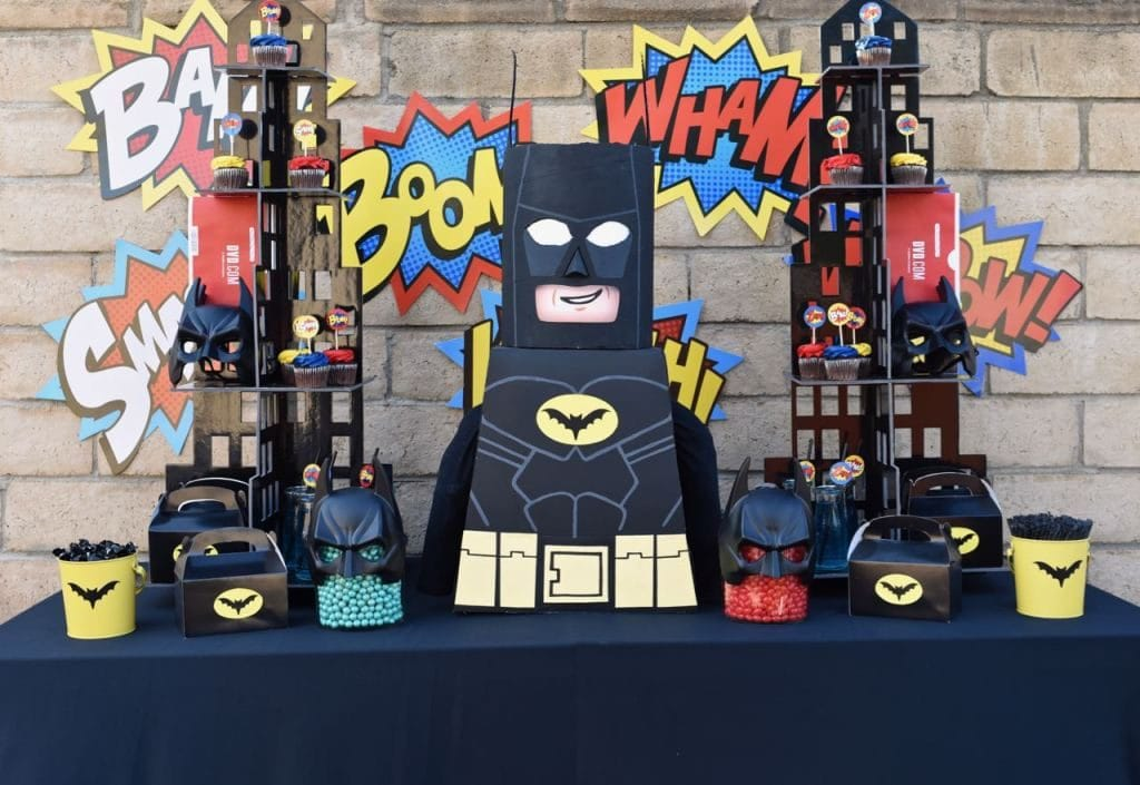 LEGO-Batman-party-with-lots-of-fun-details