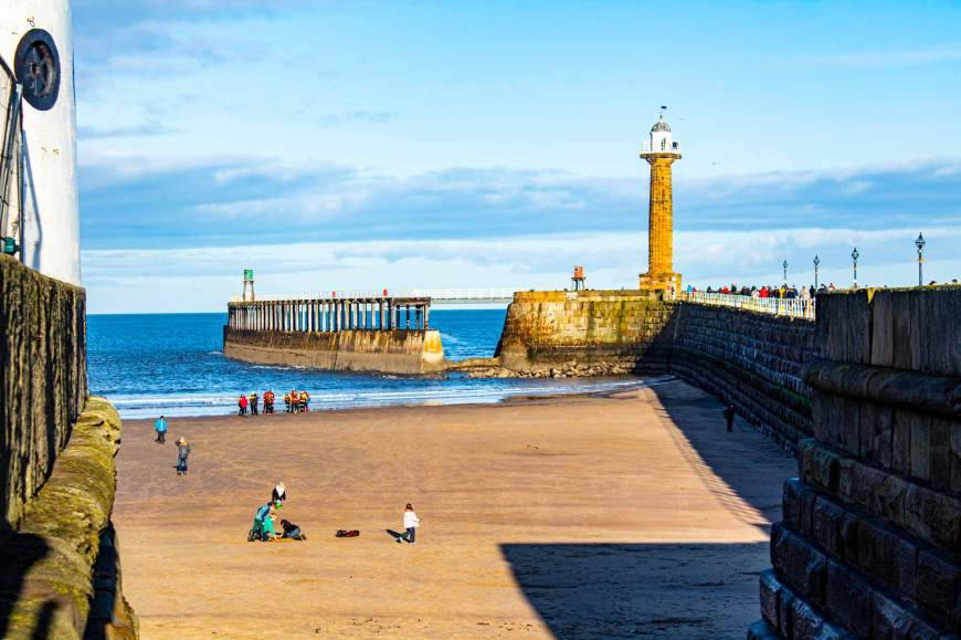 Whitby Pier lighthouse