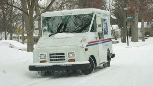 mail-truck-in-the-snow