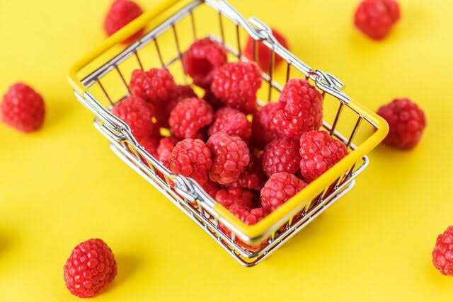 growing and harvesting raspberry