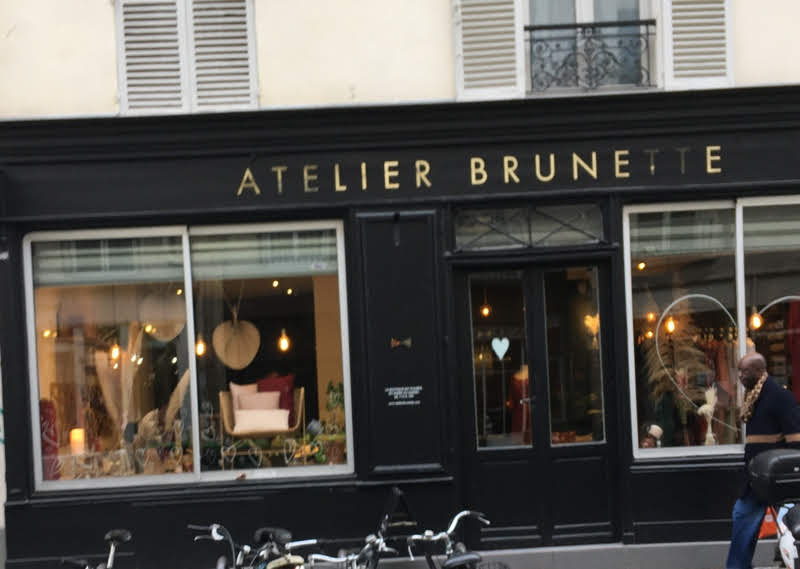 Atelier brunette in Paris