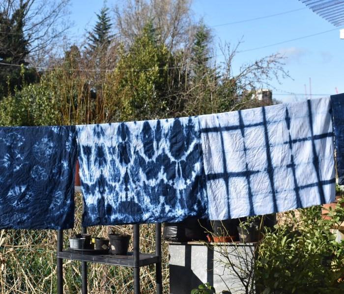 Dyeing with pre-reduced indigo dye