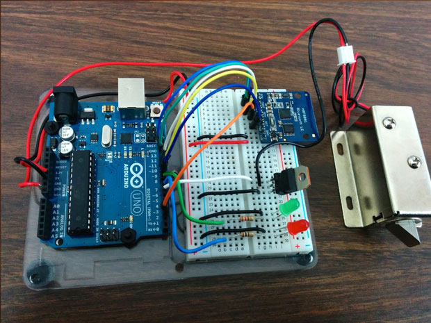 open a door lock with arduino and bluetooth
