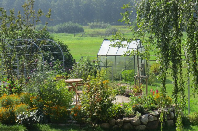 Practical tips and ideas for making money by renting out your garden