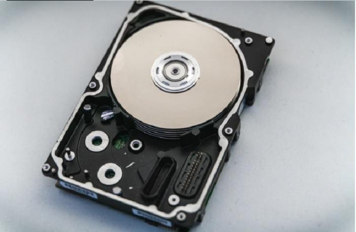 SSD vs HDD vs USB-Flash-Laufwerk Alles, was Sie wissen müssen Intern