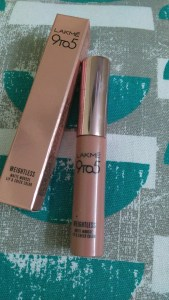 Lakme 9 To 5 Weightless Matte Mousse Lip & Cheek Color in Rose Touch
