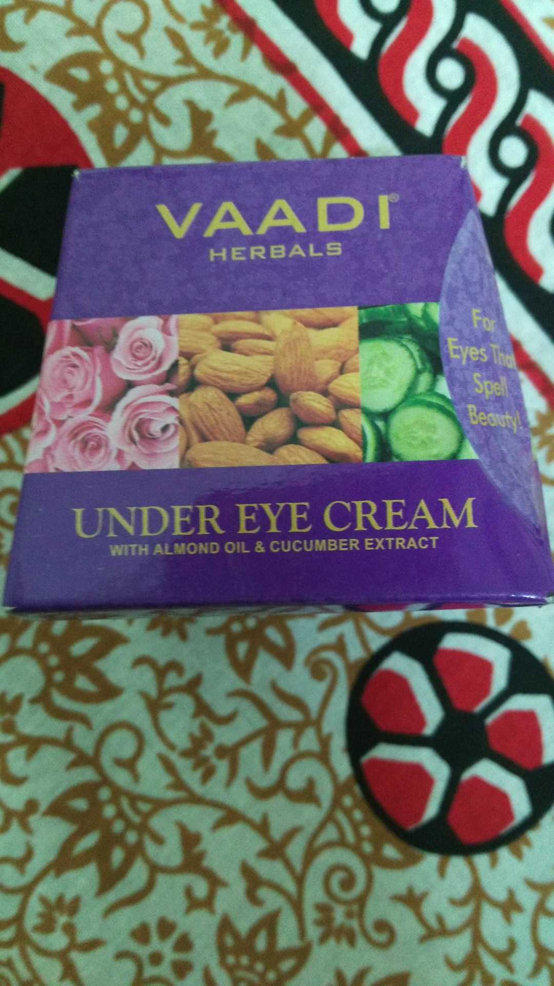 Vaadi Herbals Under Eye Cream with Almond Oil & Cucumber Extract