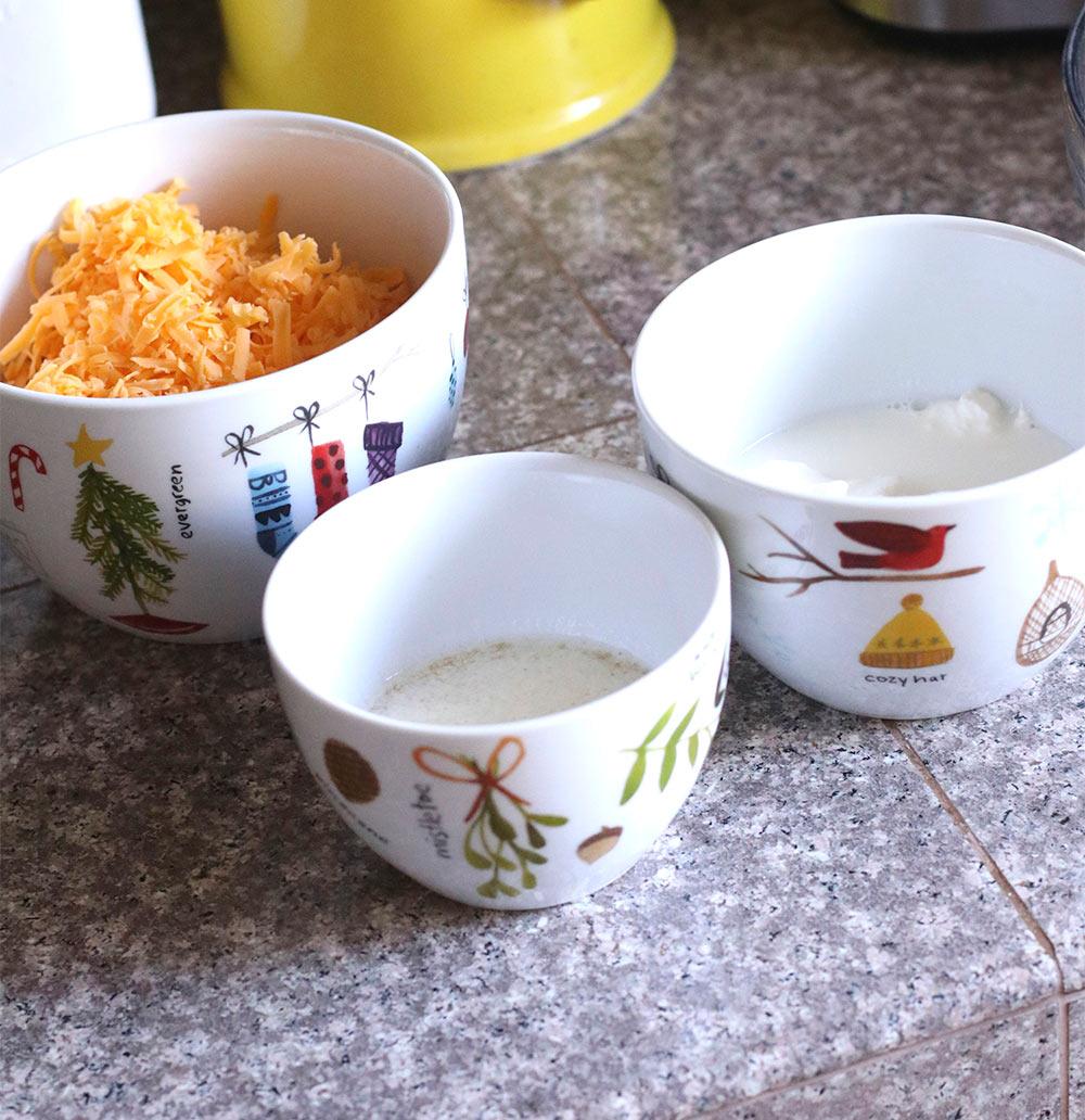 gluten free cheddar garlic biscuit recipe cheese and wet ingredients