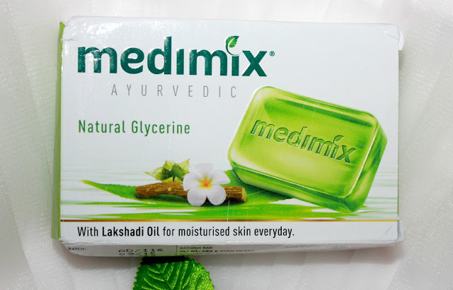 Medimix Ayurvedic Natural Glycerine With Lakshadi Oil Soap Review