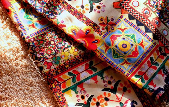 9 Famous Indian Fabric Prints That Reflect Indian Heritage