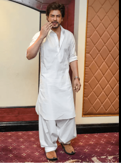 men Jutis With Indian Ethnic Wear (1).png