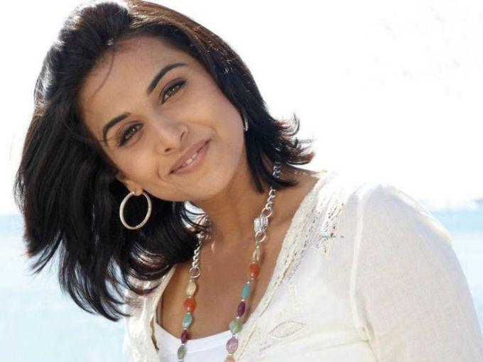 vidya balan in short hair style