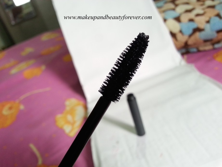 BareMinerals Flawless Definition Volumizing Mascara wand Review