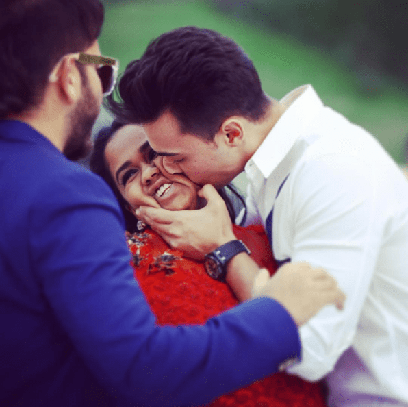 Aayush Sharma Kisses Arpita on her baby shower