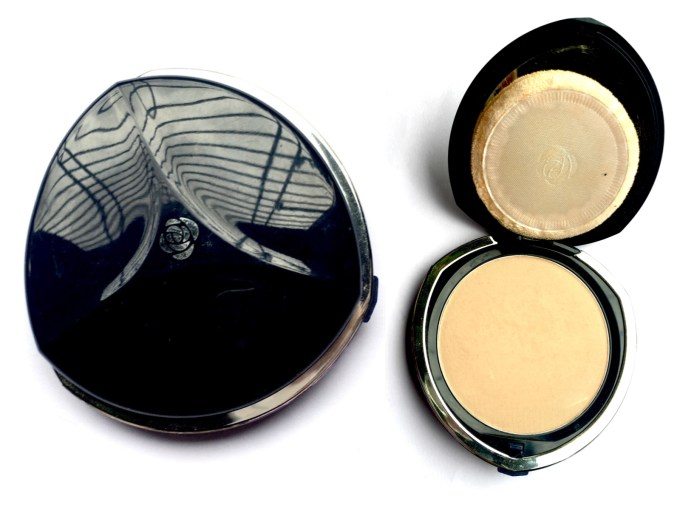 Chambor Silver Shadow Compact Powder Review Shades Swatches Price India USA