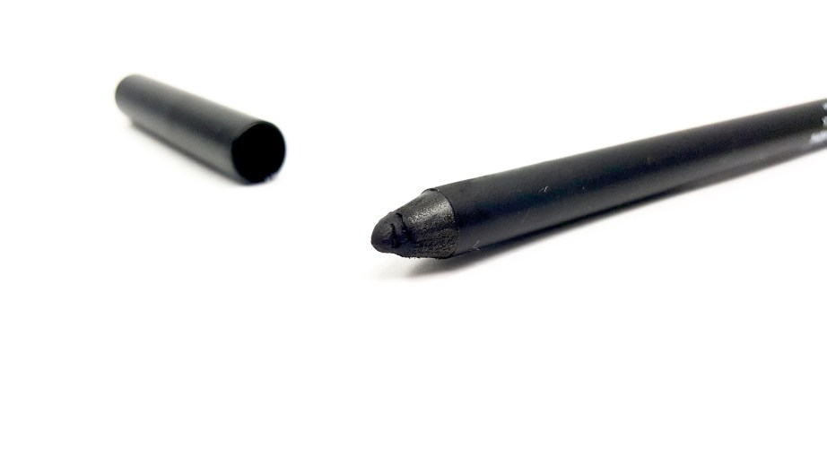 SUGAR Stroke Of Genius Heavy Duty Kohl 01 Back To Black Review Swatches close up