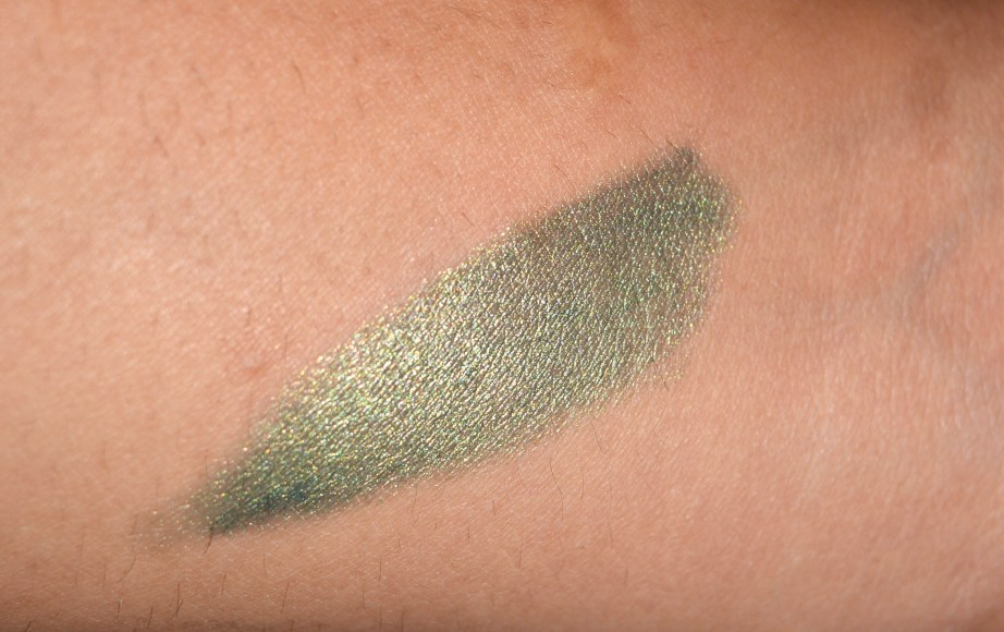 Be A Bombshell Eye Shadow Crayon Shade High Roller swatch