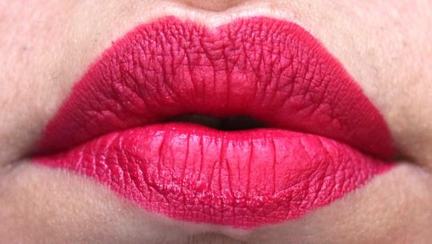Jeffree Star Velour Liquid Lipstick Masochist Review Swatches on Lips