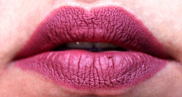Huda Beauty Lip Contour Matte Pencil Trophy Wife Review Swatches on lips