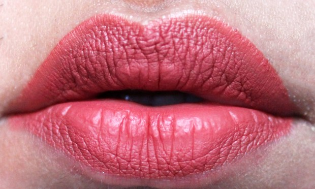 Huda Beauty Liquid Matte Lipstick Icon Review Swatches Freshly Applied