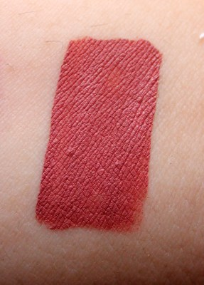Lipland Matte Liquid Lipstick Baked by Amrezy Review Swatches hand