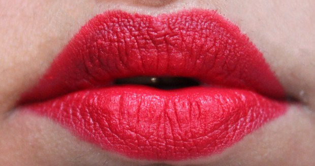 MAC Damn Glamorous Matte Lipstick Review Swatches on lips