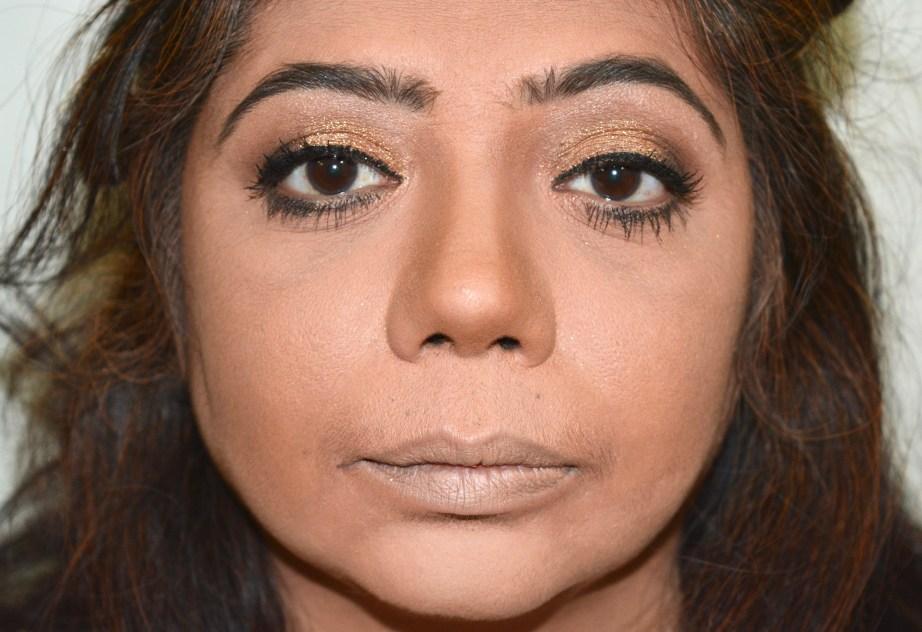 apply-liner-mascara