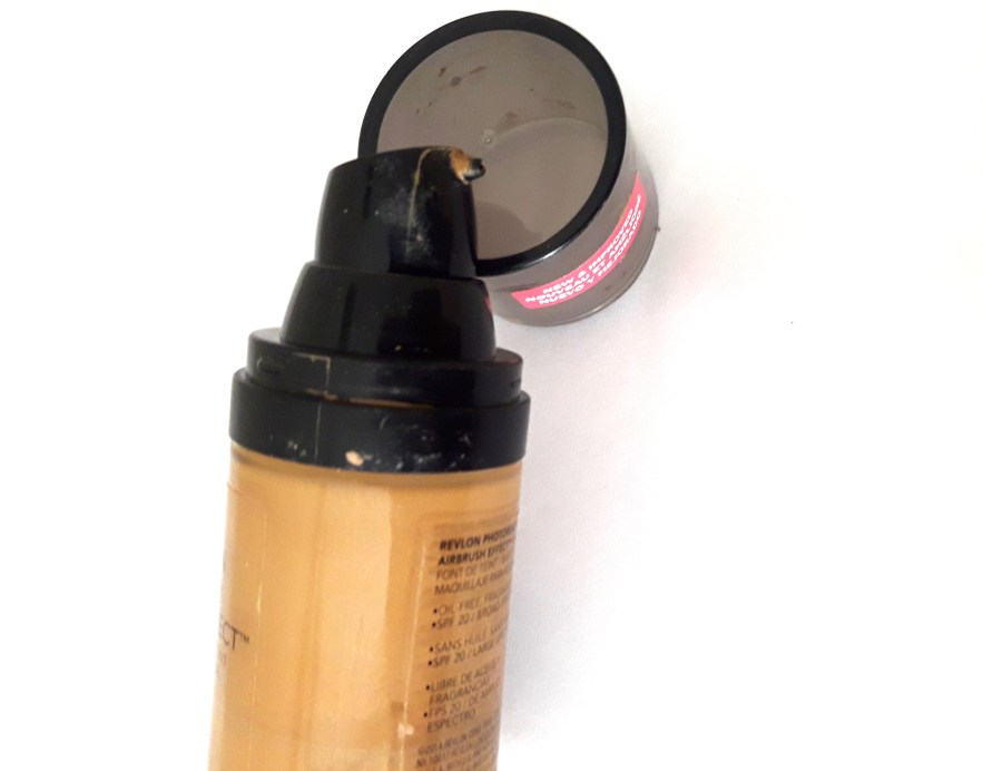 Revlon PhotoReady Airbrush Effect Makeup Foundation Review, Swatches, Demo 1
