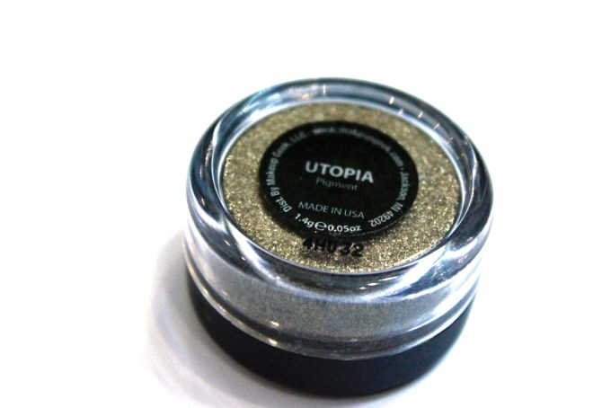 Makeup Geek Utopia Pigment Review, Swatches bronze glitter