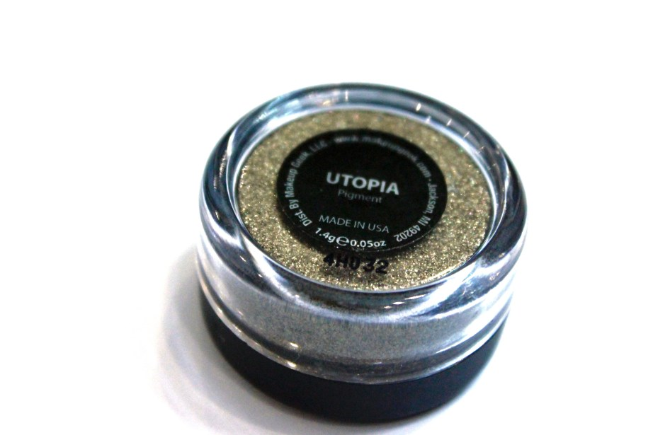 Makeup Geek Utopia Pigment Review, Swatches bronze glitter