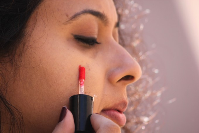 The Body Shop Lip and Cheek Stain Dutch Tulip 012 Review, Swatches On Cheek 1