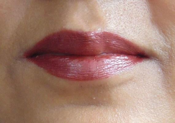 Estée Lauder Pure Color Long Lasting Lipstick Hot Kiss Review, Swatches On Lips
