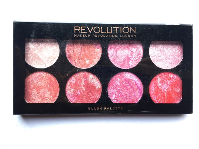 Makeup Revolution Blush Palette Blush Queen Review, Swatches packaging