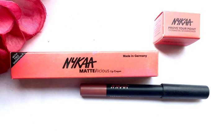Nykaa Matteilicious Lip Crayon Next Level Nude Review, Swatches MBF