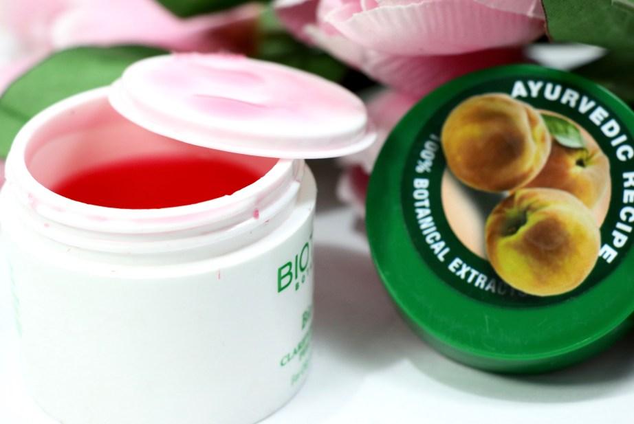 Biotique Bio Peach Clarifying & Refining Peel Off Mask Review, Demo focus
