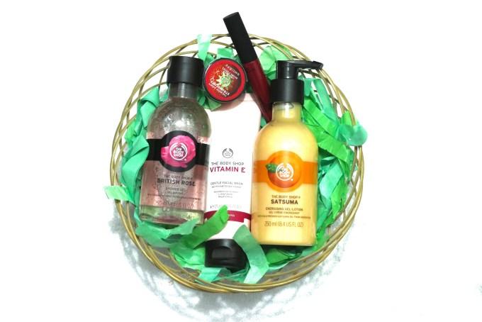 The Body Shop Haul british rose shower gel, vitamin e gentle face wash, satsuma gel lotion, tahiti hibiscus lipstick, strawberry lip butter