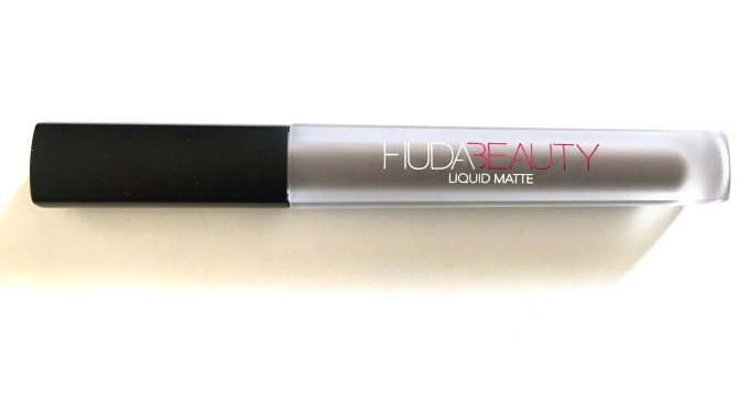 Huda Beauty Liquid Matte Lipstick SilverFox Review, Swatches MBF