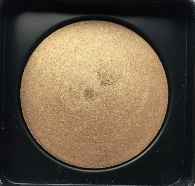 PAC Cosmetics Baked Highlighter 08 Review, Swatches Closeup