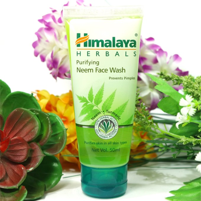 Himalaya Herbals Purifying Neem Face Wash Review, Swatches