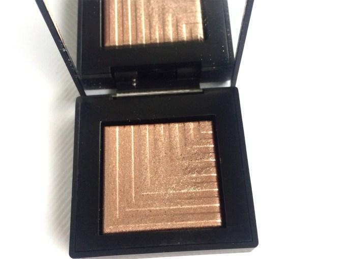 NARS Himalia Dual Intensity Eyeshadow Review, Swatches closeup