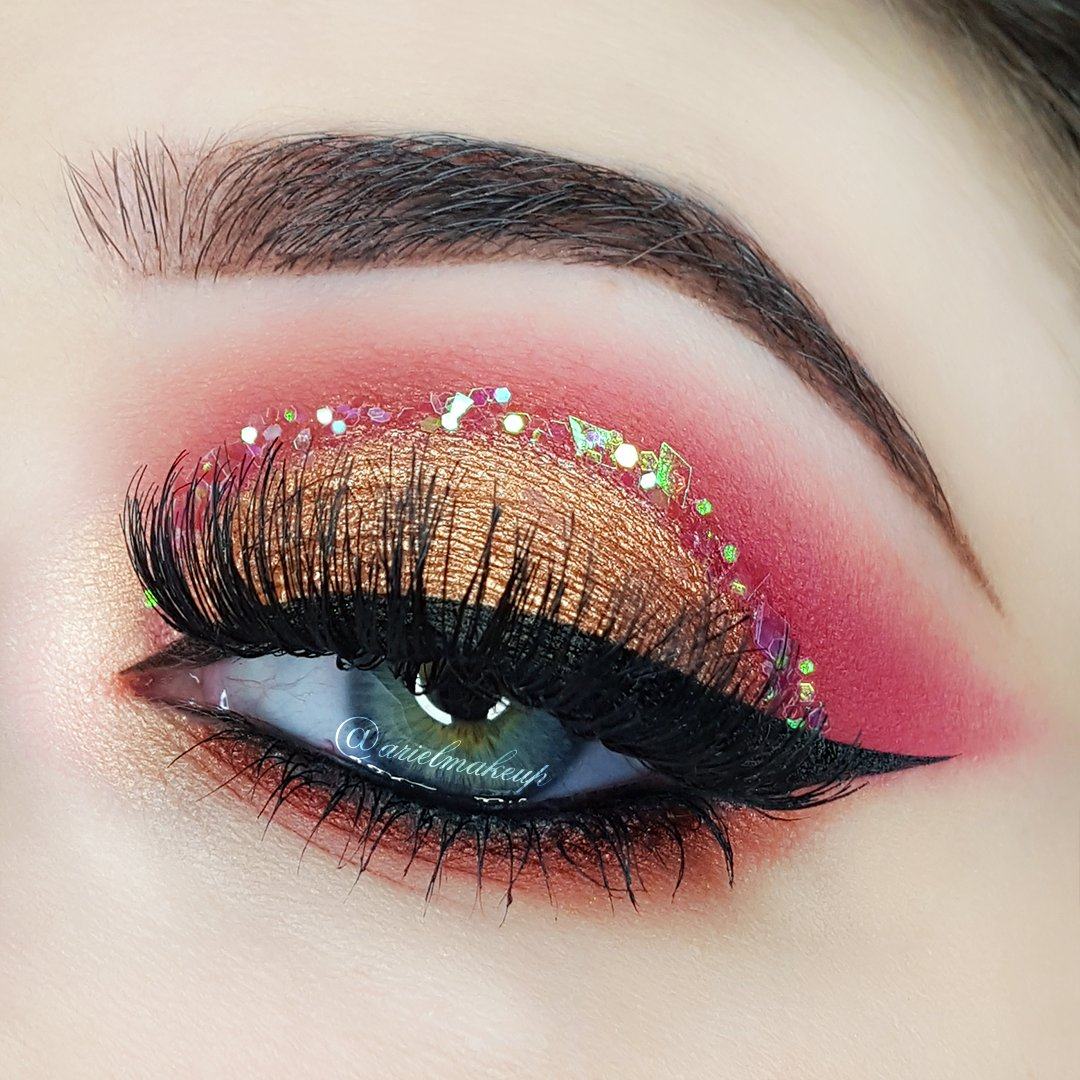 Best Makeup Eyes A Collection Of 40 Best Glitter Makeup Tutorials And Ideas For 2019