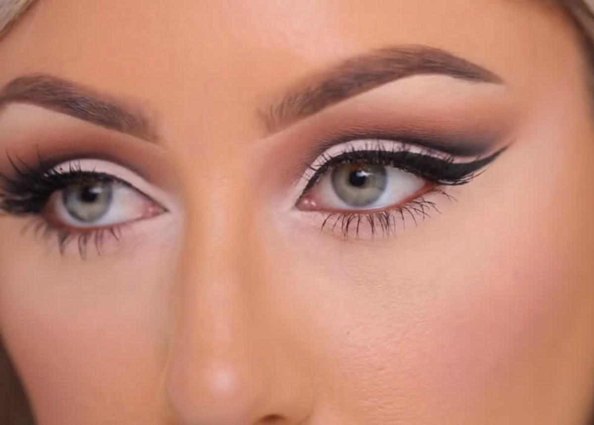 Cut Crease Eye Makeup How To Create A Cut Crease With Eyeshadow So Your Eyes Look Bigger