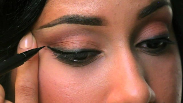 How To Apply Eye Makeup With Pictures How To Apply Eyeliner Three Ways Sephora Youtube
