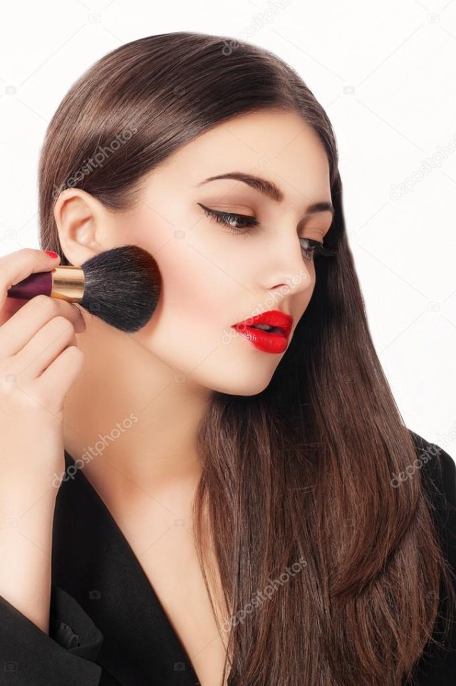 Makeup For Brunettes With Brown Eyes Makeup Beauty Girl With Make Up Brushes Natural Make Up For